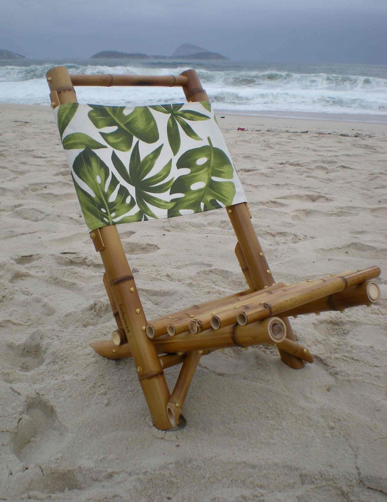 Bamboo beach chair bamboo arts and crafts gallery for Bamboo arts and crafts