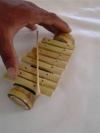 Miniature bamboo musical instruments by carlos melo for Bamboo arts and crafts